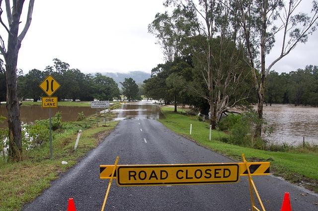roadtrip geflutete straße Australien