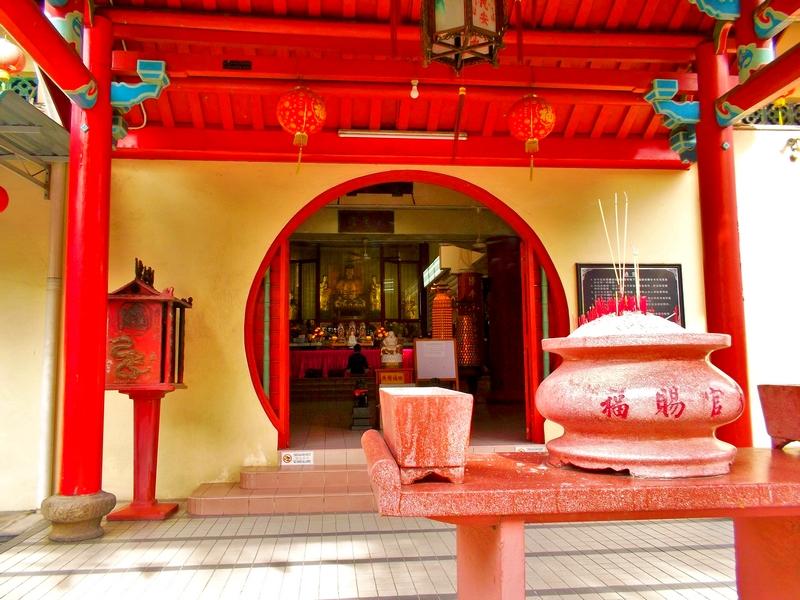 tempel kleidung