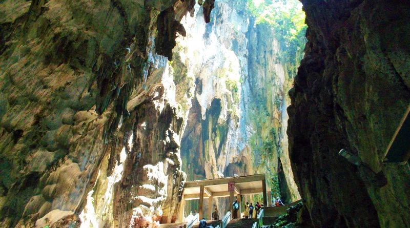 cathedral cave batu caves